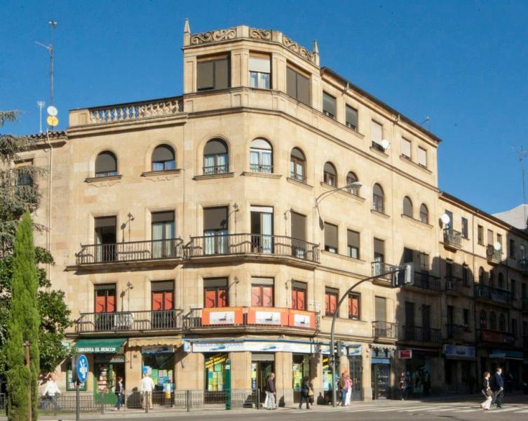 En Calle Alvaro Gil 1 Edificio Racionalista