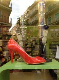 Zapatos Rojos contra la Violencia de Género en Ananda