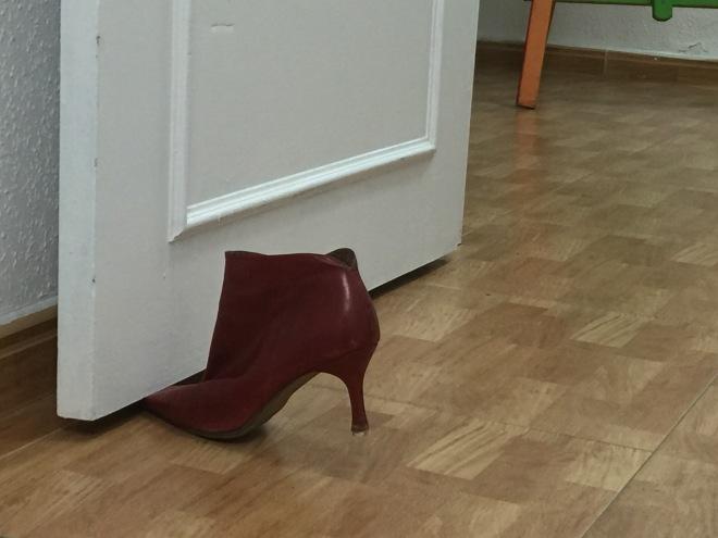 Zapatos Rojos en el Oeste